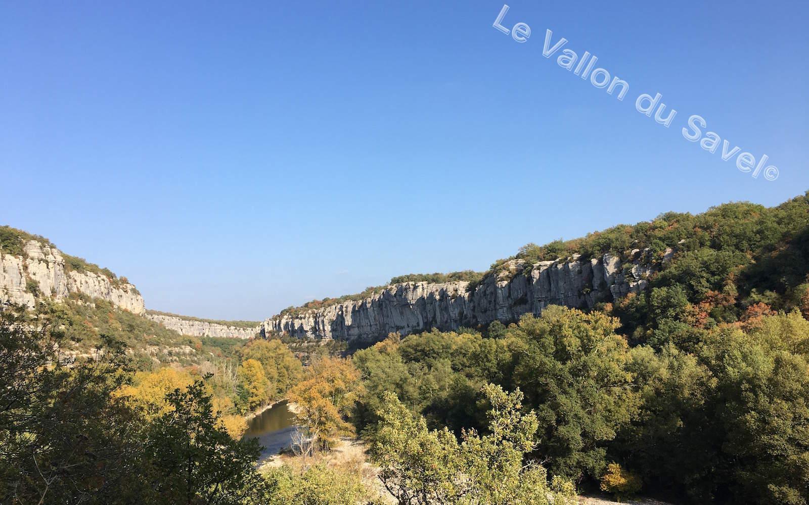 """Le canyon du Cirque de Gens à 15min à pied de notre gîte """"Le Vallon du Savel"""""""